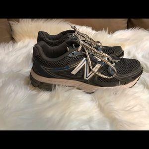 New Balance 680 V2 Running Shoes